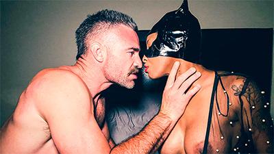 Submissive ebony September Reign gets BDSM sex